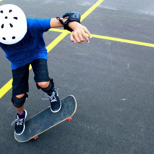 Bürgeranträge in den Kommunen zur Etablierung von innenstadtnahen Orten, die auch mit Fahrrad/Skateboard und zum Spielen ausdrücklich genutzt werden können