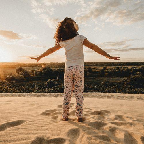 Einfache Achtsamkeits- und Wahrnehmungsübungen in der Natur mit einzelnen Kindern und Jugendlichen